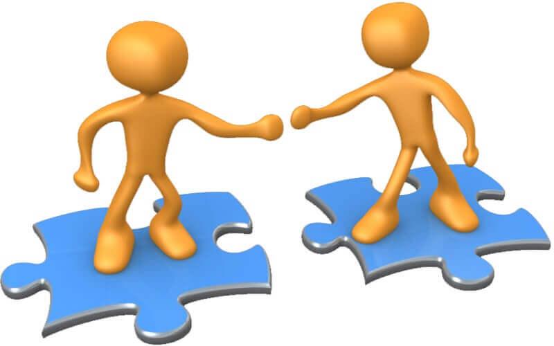 من فوائد التواصل الاجتماعي بناء علاقات جديدة